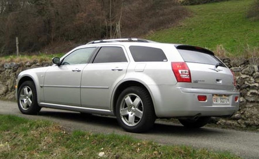 2007 Chrysler 300C Touring AWD - Slide 6