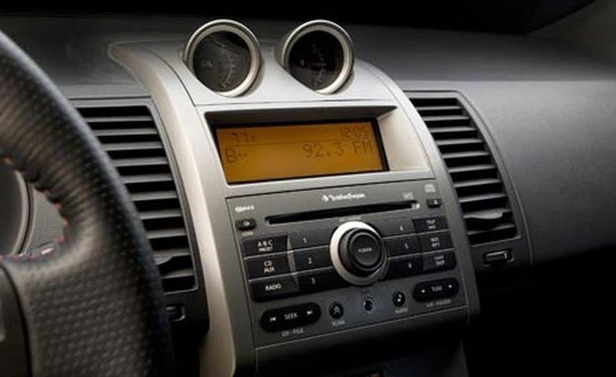 2007 Nissan Sentra SE-R - Slide 9