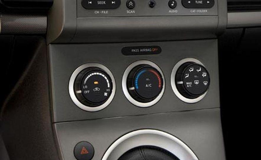 2007 Nissan Sentra SE-R - Slide 21