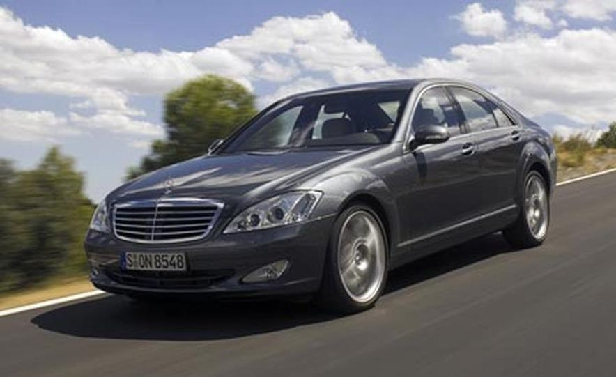 2007 Mercedes-Benz S550 4MATIC - Slide 1