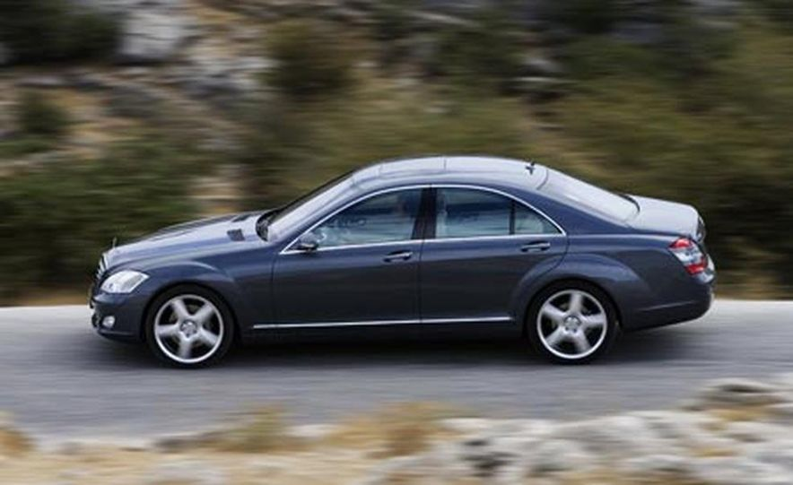 2007 Mercedes-Benz S550 4MATIC - Slide 8