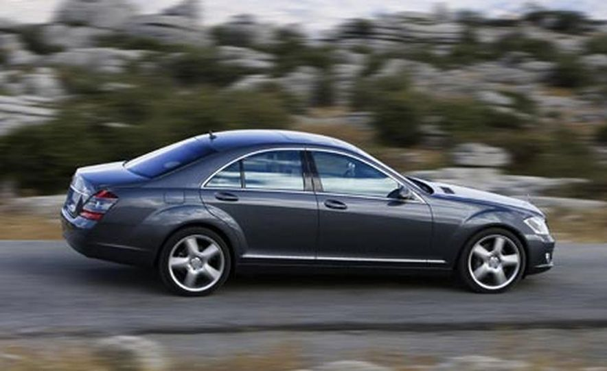 2007 Mercedes-Benz S550 4MATIC - Slide 10