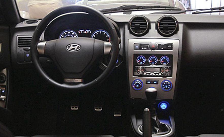 2007 Hyundai Tiburon - Slide 8