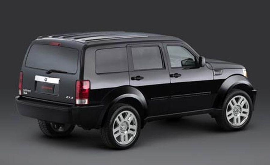 2007 Dodge Nitro - Slide 6