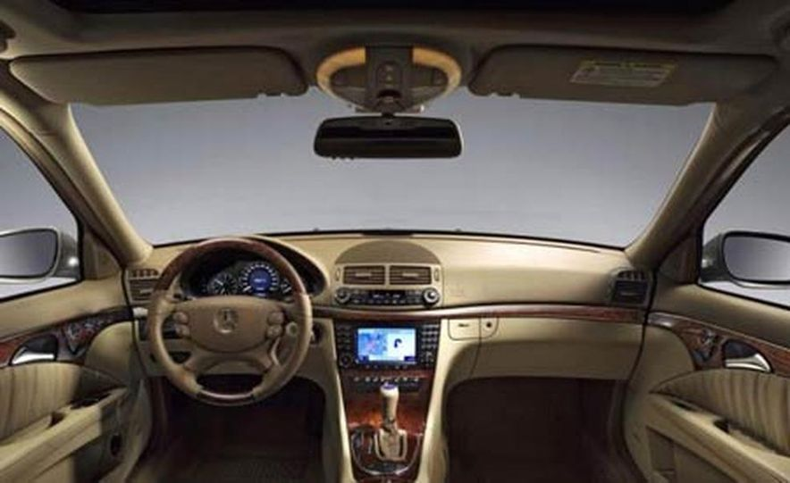 2007 Mercedes-Benz E-class interior - Slide 1