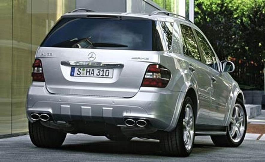2007 Mercedes-Benz ML63 AMG - Slide 13