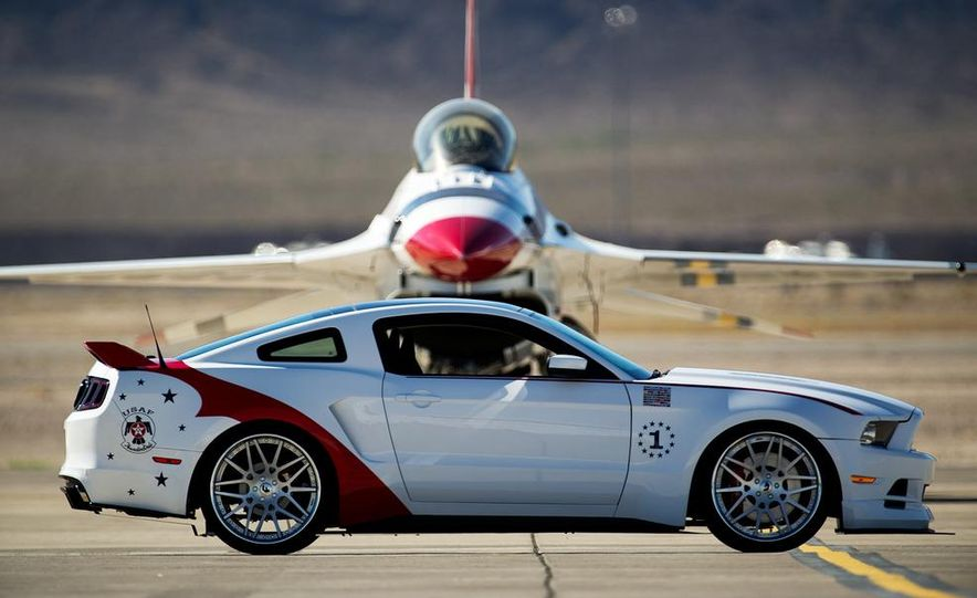 2014 Ford Mustang GT U.S. Air Force Thunderbirds Edition - Slide 3