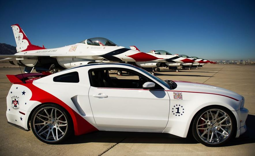 2014 Ford Mustang GT U.S. Air Force Thunderbirds Edition - Slide 4