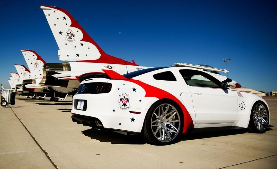 2014 Ford Mustang GT U.S. Air Force Thunderbirds Edition - Slide 6