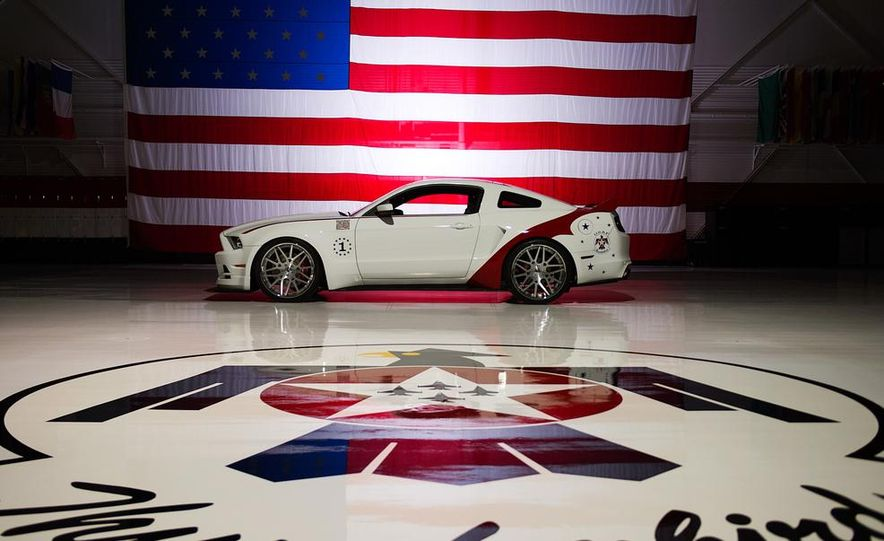 2014 Ford Mustang GT U.S. Air Force Thunderbirds Edition - Slide 7