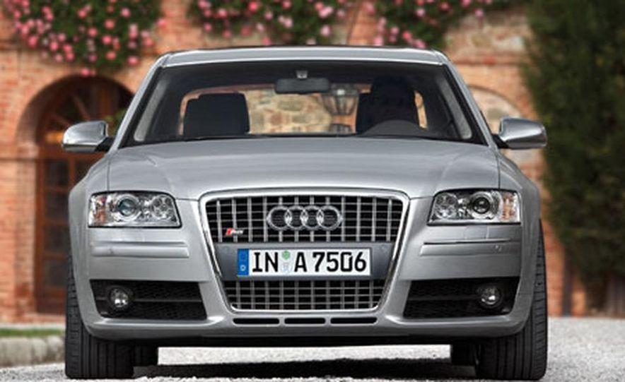 2007 Audi S8 - Slide 1