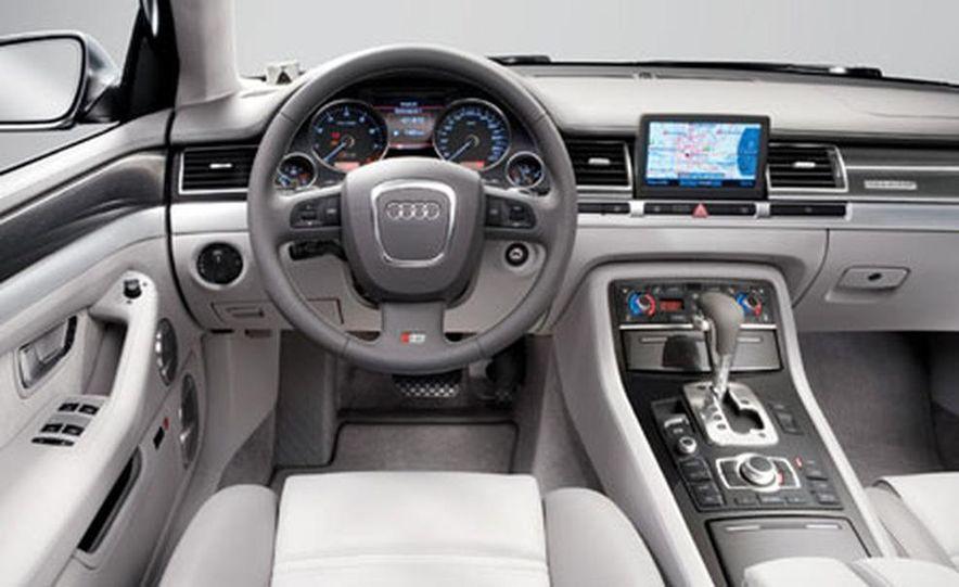 2007 Audi S8 - Slide 2