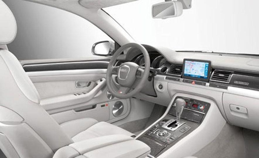 2007 Audi S8 - Slide 3