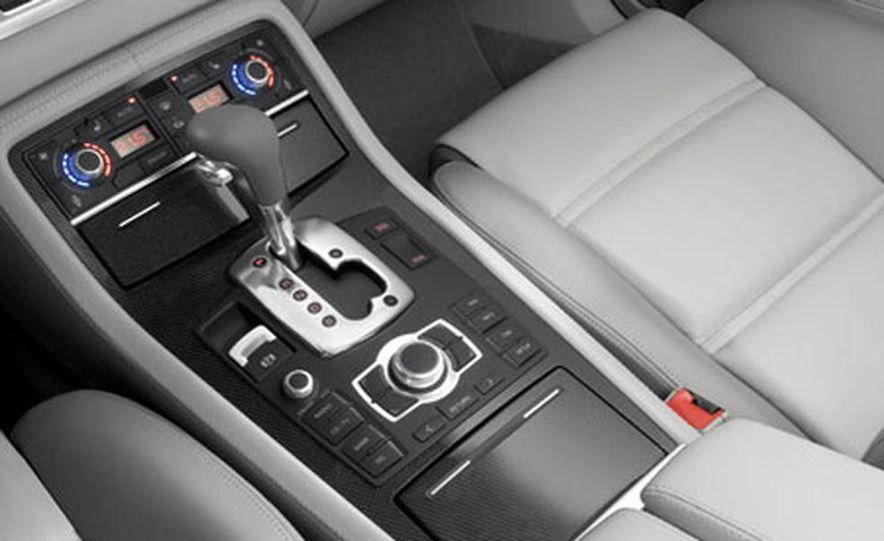 2007 Audi S8 - Slide 4