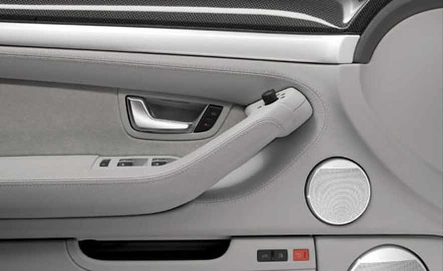 2007 Audi S8 - Slide 5