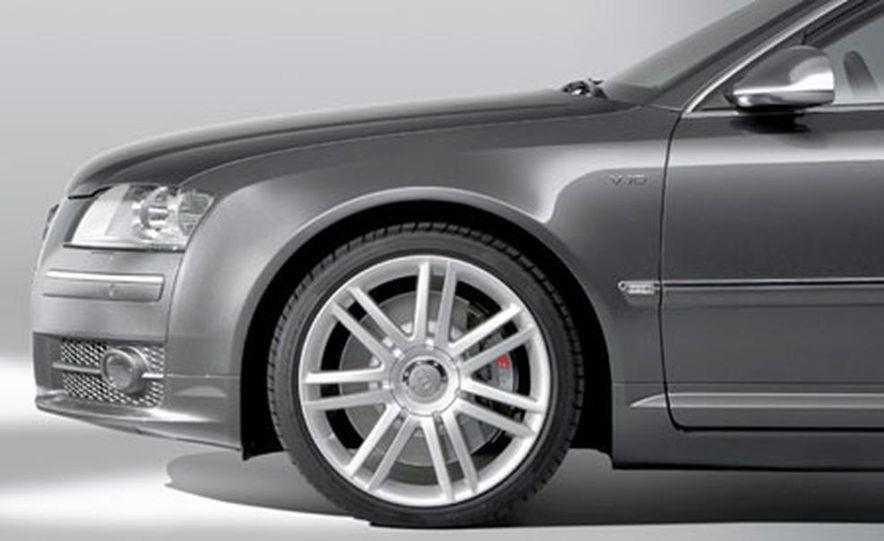 2007 Audi S8 - Slide 7