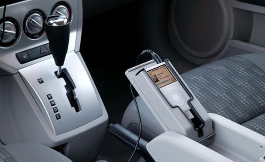 2007 Dodge Caliber - Slide 3