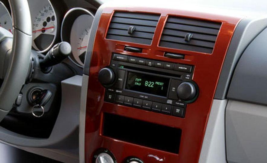2007 Dodge Caliber - Slide 7