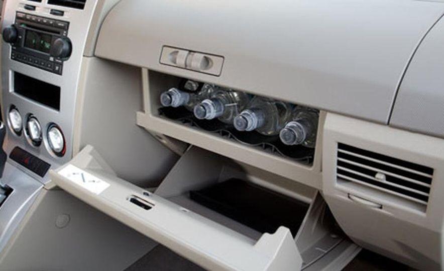 2007 Dodge Caliber - Slide 10
