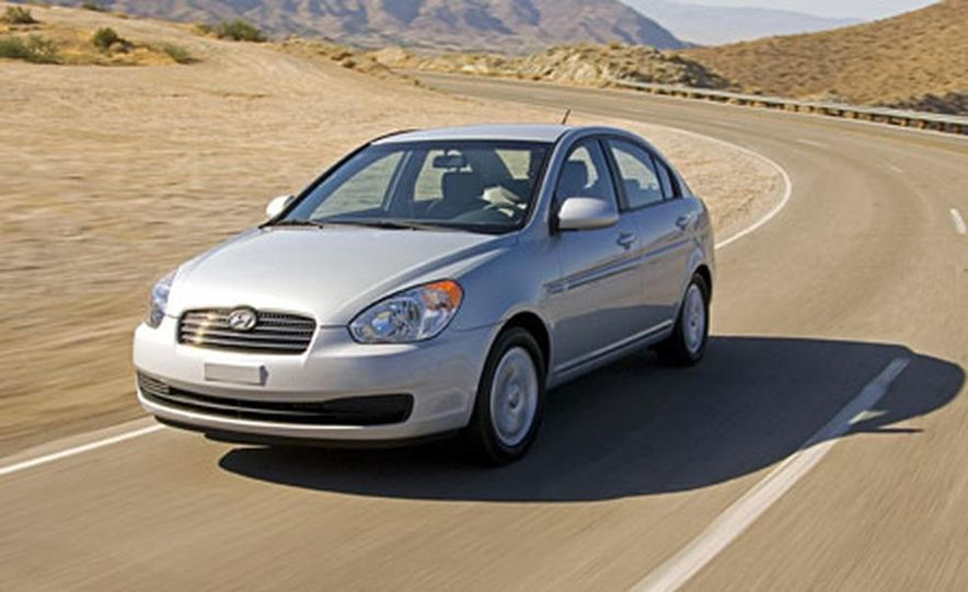 Hyundai Accent GLS - Slide 2