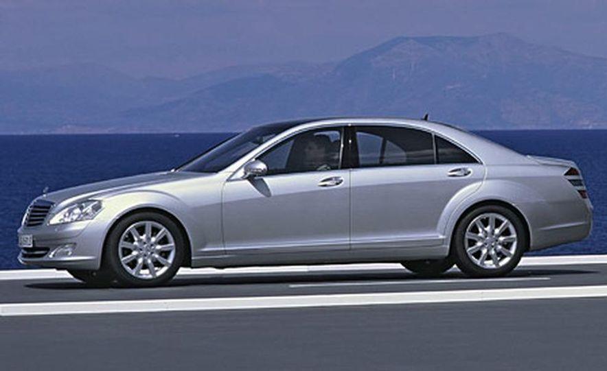 Mercedes-Benz S-CLass - Slide 5