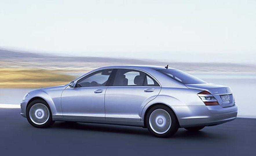 Mercedes-Benz S-CLass - Slide 6