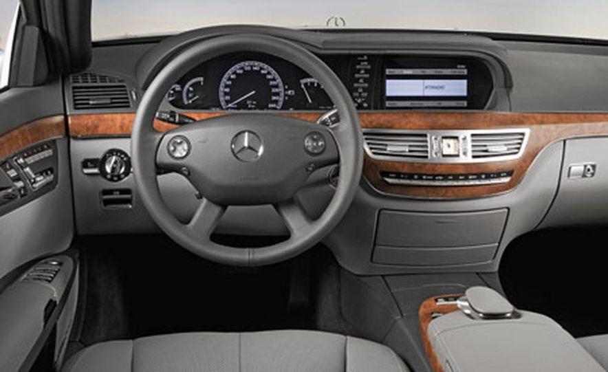 Mercedes-Benz S-CLass - Slide 8