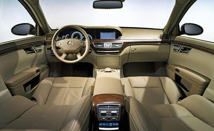 Mercedes-Benz S-CLass - Slide 10