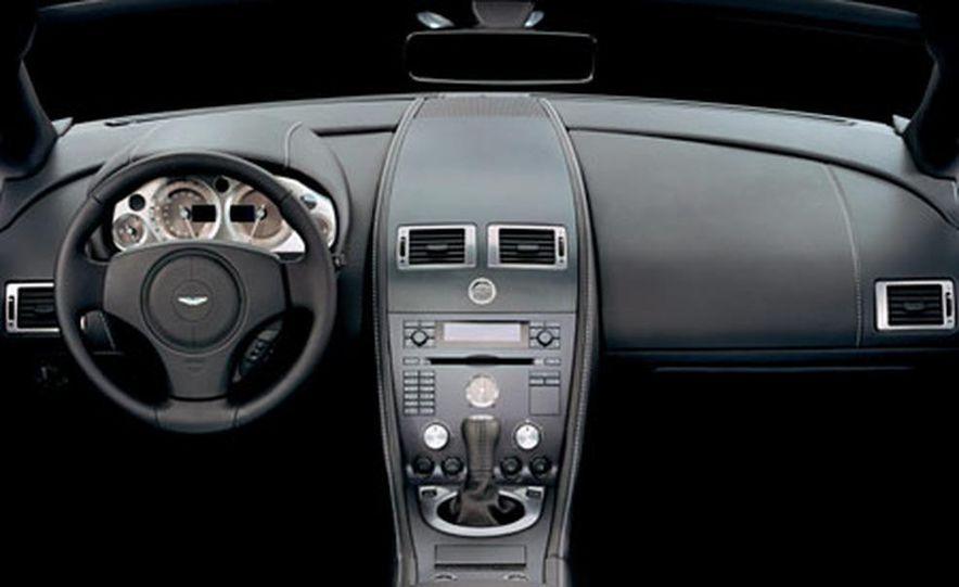 Aston Martin V-8 Vantage - Slide 22