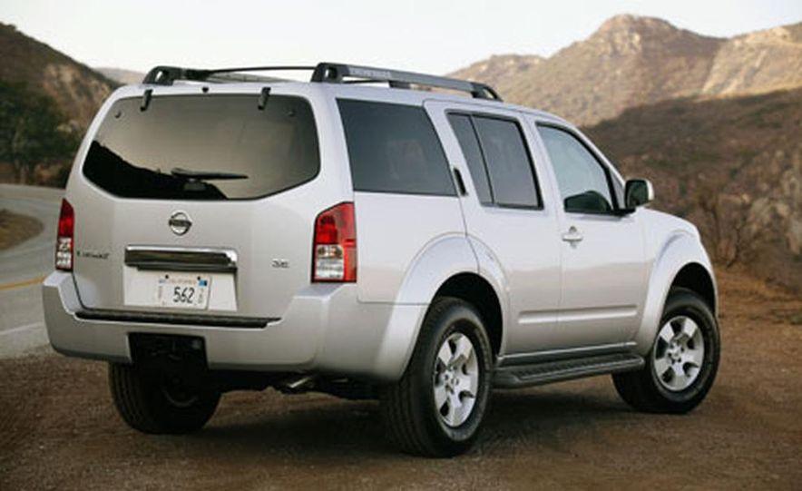 Nissan Pathfinder - Slide 6