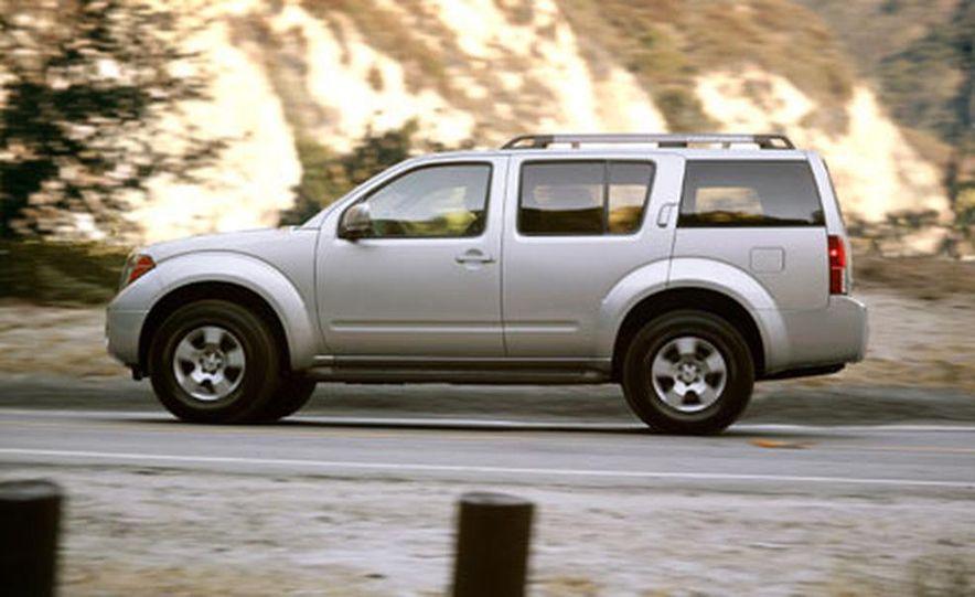 Nissan Pathfinder - Slide 8