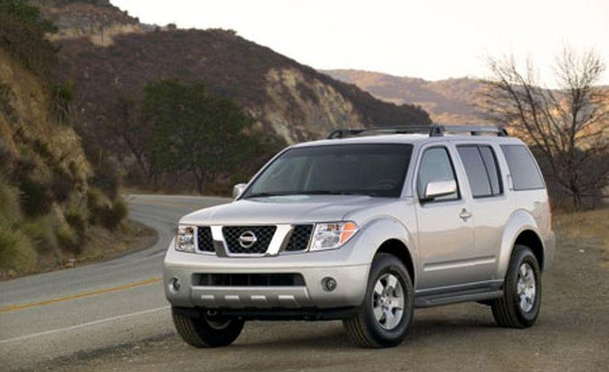 Nissan Pathfinder - Slide 9