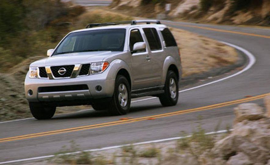 Nissan Pathfinder - Slide 10