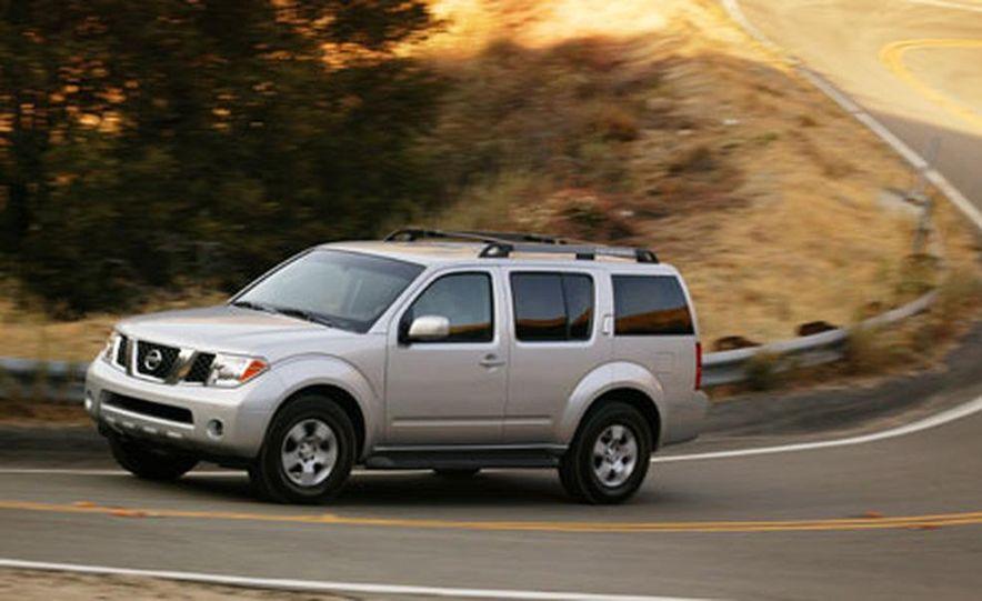 Nissan Pathfinder - Slide 11