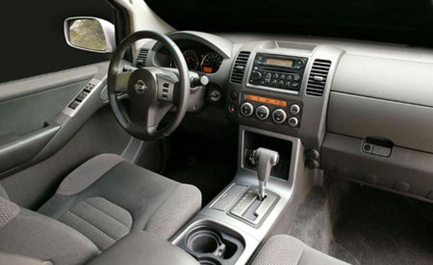 Nissan Pathfinder - Slide 13