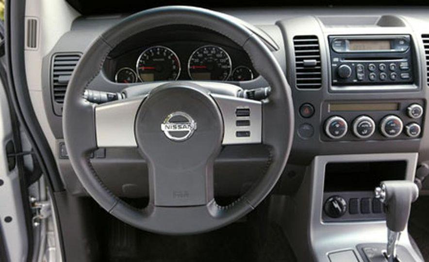 Nissan Pathfinder - Slide 14