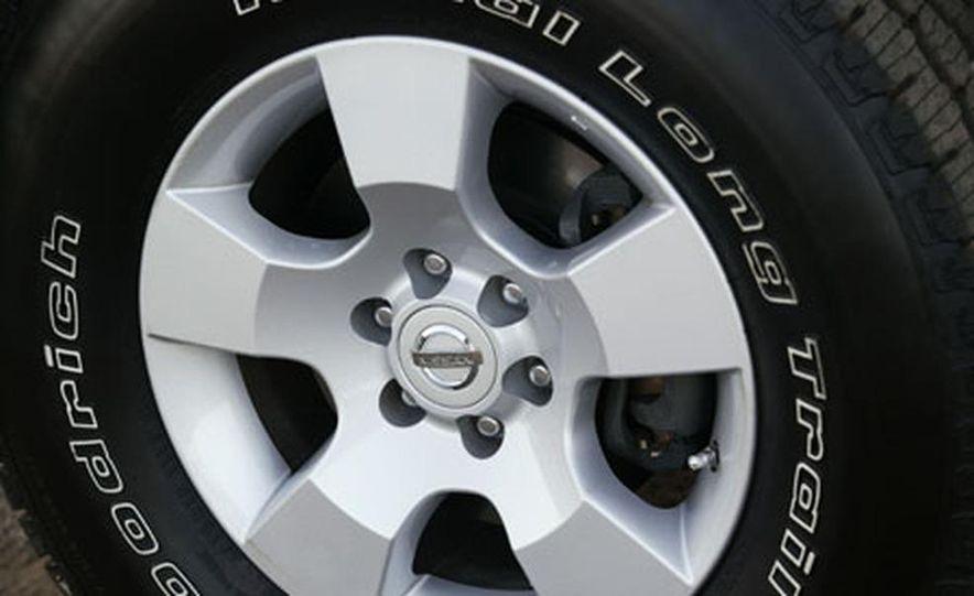 Nissan Pathfinder - Slide 19
