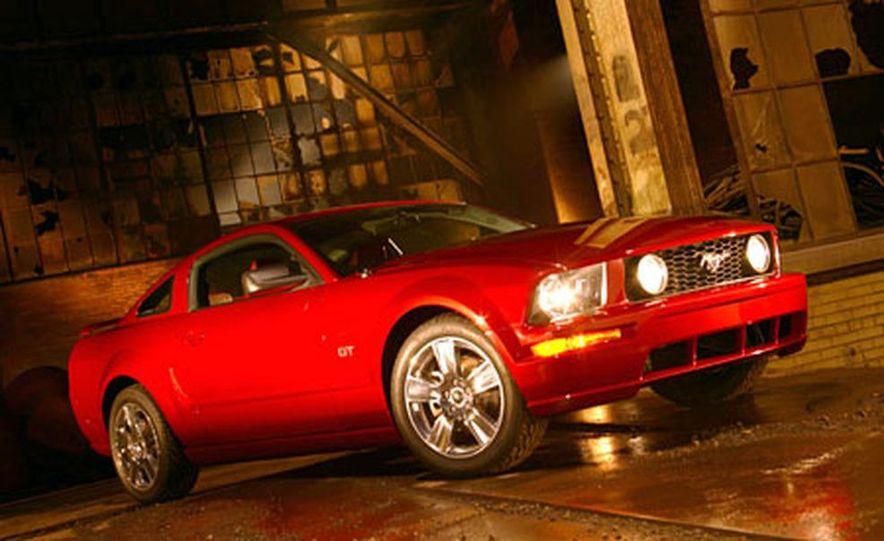2005 Ford Mustang - Slide 9