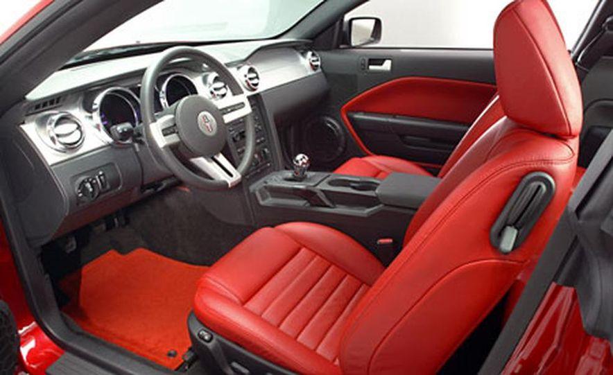 2005 Ford Mustang - Slide 13