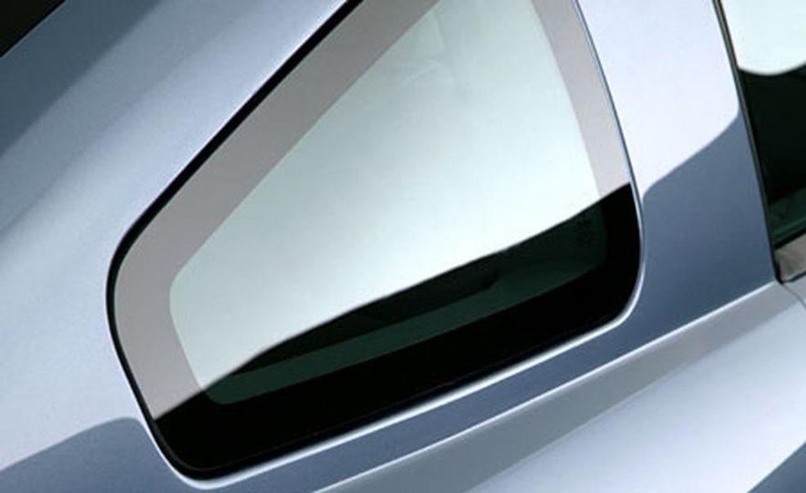 2005 Ford Mustang - Slide 18