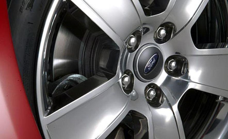 2005 Ford Mustang - Slide 22