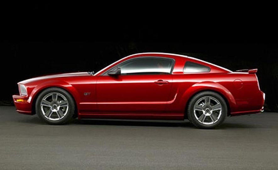 2005 Ford Mustang - Slide 43
