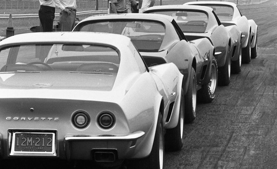 1973 Chevrolet Corvettes - Slide 1
