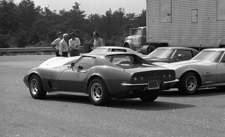 1973 Chevrolet Corvettes - Slide 18