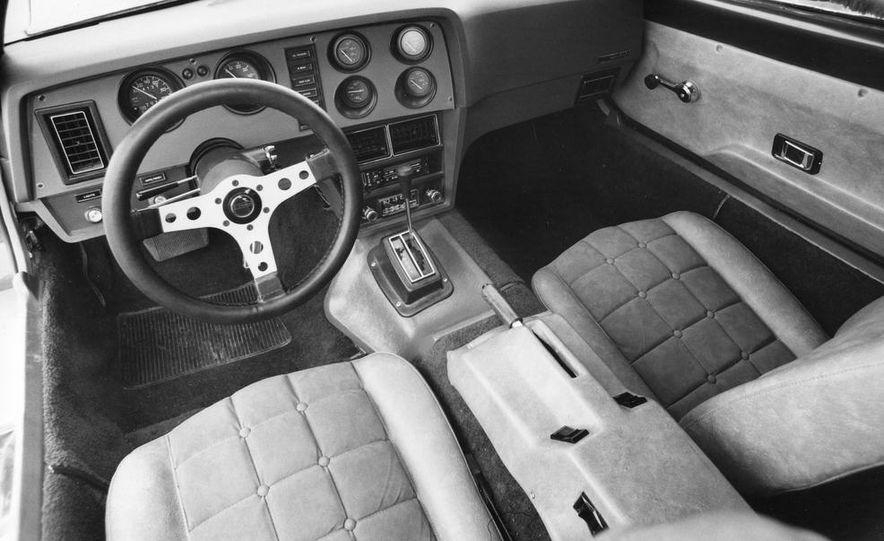 Bricklin SV-1 and Chevrolet Corvette Stingray - Slide 7
