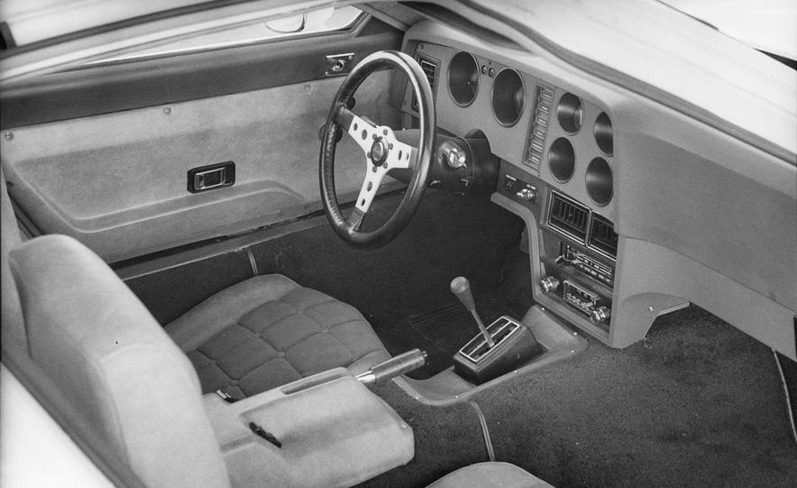 Bricklin SV-1 and Chevrolet Corvette Stingray - Slide 8