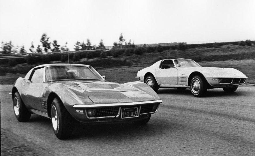 Patrick Bedard and Zora Arkus-Duntov with the 1971 Chevrolet Corvettes - Slide 3
