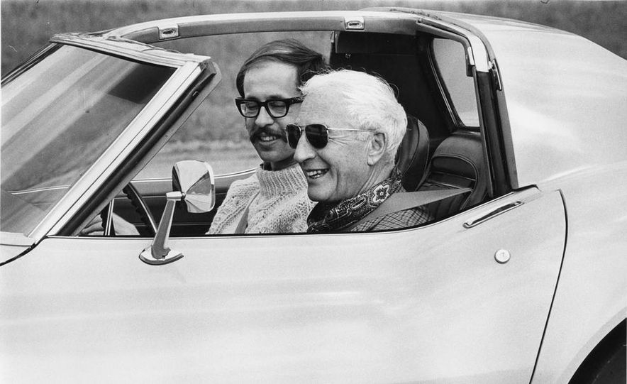 Patrick Bedard and Zora Arkus-Duntov with the 1971 Chevrolet Corvettes - Slide 11