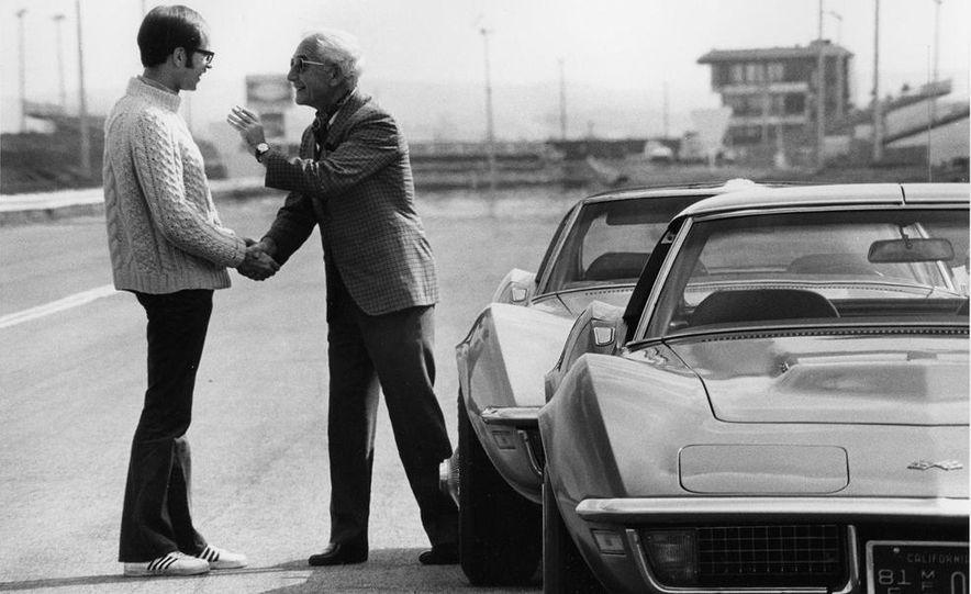 Patrick Bedard and Zora Arkus-Duntov with the 1971 Chevrolet Corvettes - Slide 5