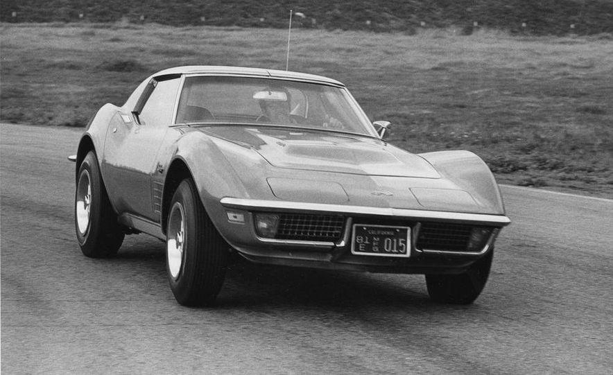 Patrick Bedard and Zora Arkus-Duntov with the 1971 Chevrolet Corvettes - Slide 8